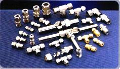 """Ống cứng  - Hệ mét: đường kính từ 6mm đến 42mm, W.P. tới 500 bar - Hệ inch: đường kính từ ¼"""" – 2"""", W.P. tới 500 bar"""
